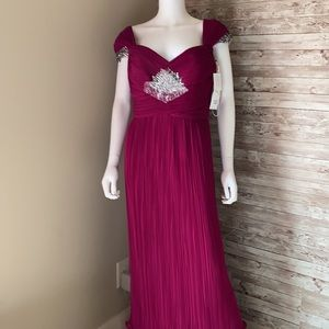 NWT Daymor Couture Fuchsia Pleated Formal Gown